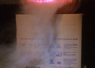 Droogijs, warm water, een kaars of LEDs en de geesten kunnen worden opgeroepen!