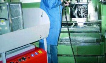 reinigen van draai- en freesmachines