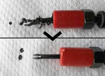 élimination de mastic sur des barrettes de montage avec Supercleaner C5